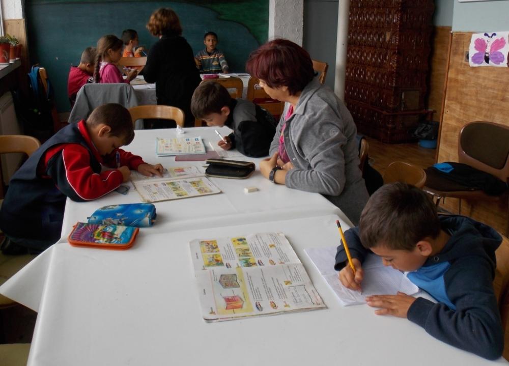 The little kids doing homework (grades 1-3)