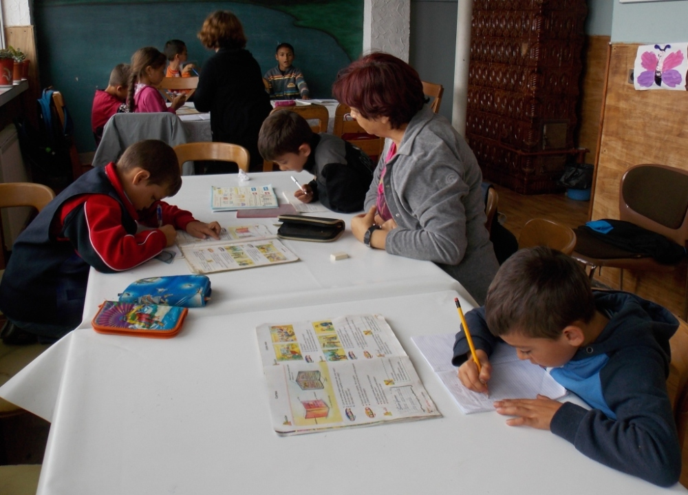 The little kids doing homework (grades 1-3)
